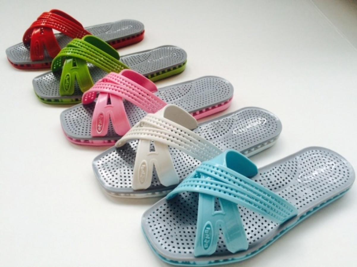 san francisco ade56 cfd1d Collezione outlet sandali e ciabatte del Gruppo Sensi